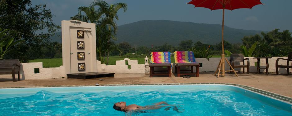 The-Resort-naturist-swimming-pool4-940x375
