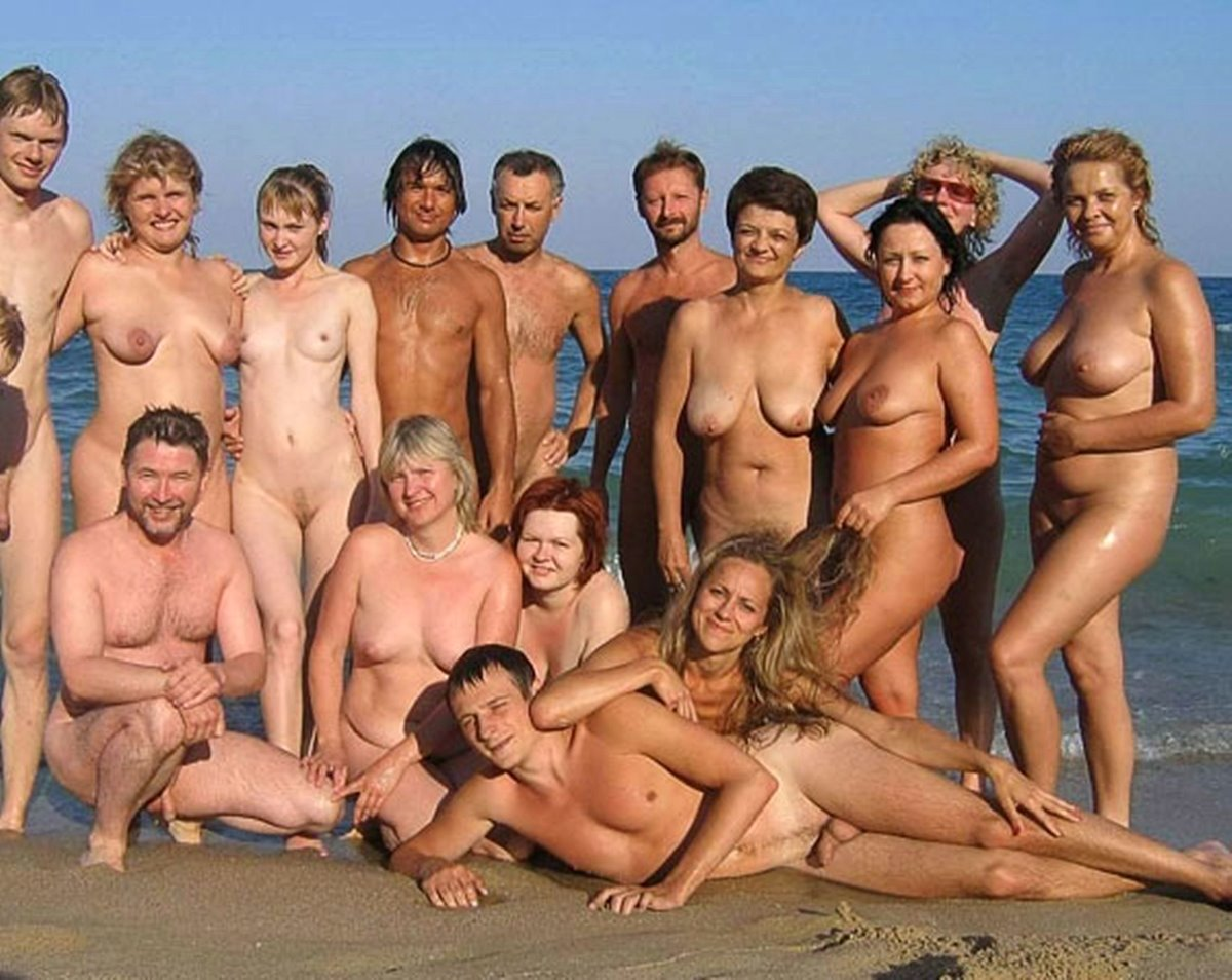 Nudist-Group  The Meandering Naturist-2516