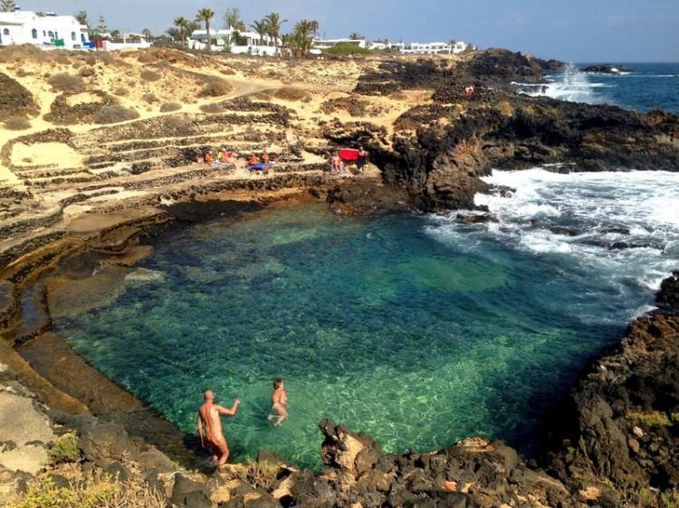 Playas-Charco-Palo-01@2x